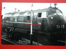 PHOTO  BR CLASS 43 WARSHIP DIESEL LOCO NO D856 TROJAN AT SWINDON AUG 1962