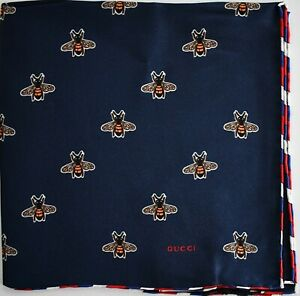 🆕️ Auth GUCCI ICONIC BEE Print Navy 100% SILK Pocket Square Handkerchief