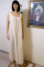 LUCIE ANN VTG Nylon Antron IVORY with Satin Banded Sleeve Nightgown size Medium