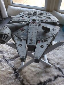STAR WARS VINTAGE MILLENNIUM FALCON AND FIGURES