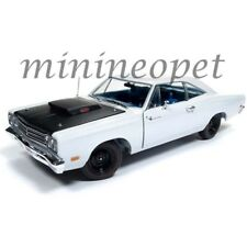 AUTOWORLD AMM1147 1969 1/2 PLYMOUTH ROAD RUNNER 1/18 DIECAST WHITE