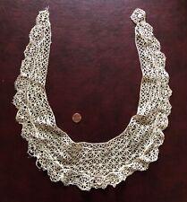 Vintage Maltese bobbin lace collar