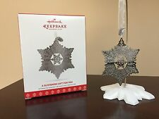 2017 Hallmark Ornament A Glistening Gift For You  KOC Member Exclusive