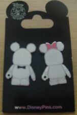 Disney Vinylmation Blank and Bow (Mickey and Minnie) 2 Pin Set - New on Card