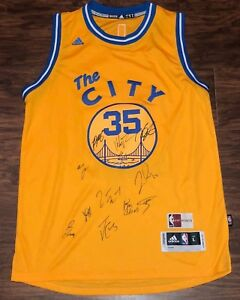 GOLDEN STATE WARRIORS 2017 TEAM SIGNED JERSEY STEPH CURRY KEVIN DURANT KLAY COA