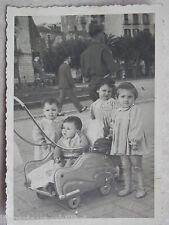 Vecchia foto d epoca fotografia antica BAMBINI SU CARROZZINA METALLO SALERNO di