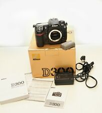 Nikon D D300 12.3MP Digital SLR Excellent, Box, Charger, Battery, Manual (Spanis