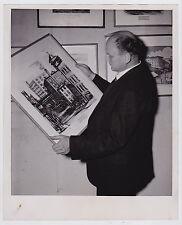 REGINALD MARSH Painter Artist Printmaker ** ICONIC VINTAGE 1945 press photo ARTS