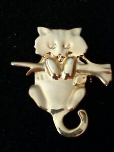 Kitty Cat Pin Brooch Kitten Hanging on a Branch Gold Tone Necklace Pendant
