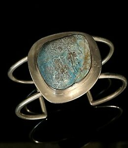 Vintage Mid Century Artisan Turquoise and Silver Cuffl Bracelet