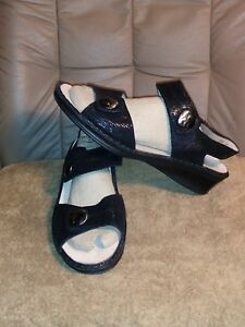 WOMENS  FINN COMFORT ANKLE ANDALS SIZE USA 9  BLACK COLOR MADE IN GERMANY