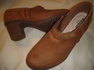 Clarks Sashlin Aleta Leather Side Zip Block Heel Shooties Boots Women 8.5 W Tan~