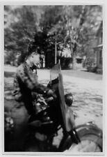 OLD PHOTO MAN SITTING ON HARLEY DAVIDSON MOTORCYCLE CLOSE UP 1940S