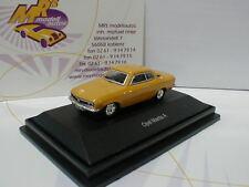 """Schuco 25982 - Opel Manta A Baujahr 1970 """" ocker """" 1:87 in Sammlervitrine !!"""