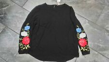 NWT H & M WOMENS PLUS TOP EMBRODERED BLACK FLOWERS 22