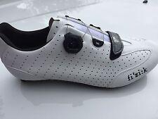 Bicycle Shoe Fizik R3 Boa Men's Size 44 White Black new in box