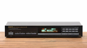 Onkyo T-4530 Quartz Synthesized FM Stereo Tuner / Radio in schwarz