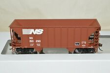 HO Walthers Norfolk Southern Ry Greenville 100 ton aggregate hopper car train