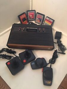 Atari 2600 Woodgrain 6-Switch Console Video Game System Tested!!