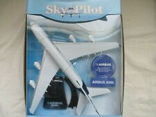 MINIATURE AVION AIRBUS A 380   24X27 CM NEW RAY