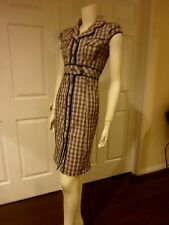 LOVELY 1940'S STYLE PLAID BUTTON FRONT DRESS W/ PRETTY DETAILS, TABS & PIPING