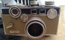 Vintage ARGUS C3 35 mm film Camera w/ 50mm 3.5 lens