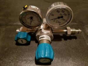 AirGas Y14-C445D Stainless High-Purity 2-Stage Regulator (EXCELLENT CONDITION)