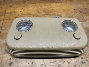 2005 - 2009 FORD MUSTANG GT OVERHEAD DOME LIGHT VANITY LIGHT TAN MAP LIGHT 06 07