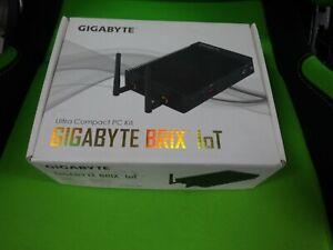 Gigabyte BRIX Pro GB-EKi3A-7100 - 4GB DDR3L USB 3.1 Type C 7th Gen Intel Fanless