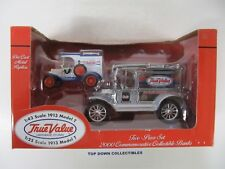 Ertl True Value 1913 Model T  1:25  &  1:43  2000 Commemorative Banks New 19911P