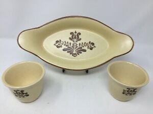 Set PFALTZGRAFF USA Village 22 oz  Augratin Dish  270 - With Two Matching Cups