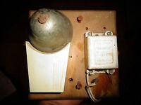 Ancienne Sonnerie de Téléphone , d'Usine , d'Ecole et Transformateur Ferrix