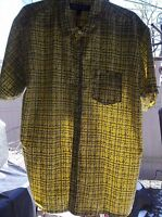 Address Unknown Men's Button Up Short Sleeve Shirt Size L  NICE!!
