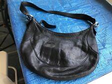 Authentique sac bandoulière -besace-en Cuir Noir Marque :COCCINELLE 34x23cm