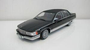 1:18 1993 GM CADILLAC FLEETWOOD SEDAN BLACK DIECAST CARS