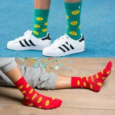 4LCK high quality funny colorful socks with Emoji smile on green, red background