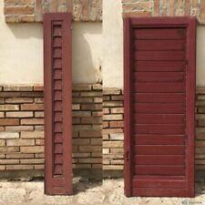 Vecchia finestra anta in legno massello persiana con scuri regolabili