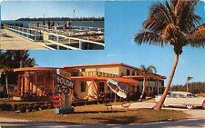 FT PIERCE BEACH FLORIDA NEW HOLIDAY HOTEL POSTCARD 1950s