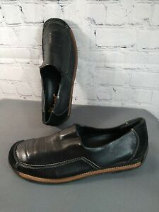 EUC women's REIKER black leather SLIP ON loafers / shoes - size 39 - SO SOFT!!!