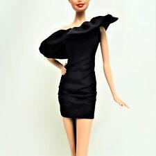BARBIE modelo MUSE pequeño vestido negro con volantes como nuevo fuera de la manada