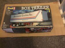 1/24 Revell box trailer