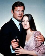 Live And Let Die [Roger Moore & Jane Seymour] (56134) 8x10 Photo