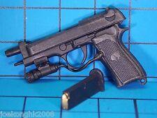 Hot Toys 1:6 VGM07 Biohazard 5 Sheva Alomar Figure - M92F Handgun w/sight