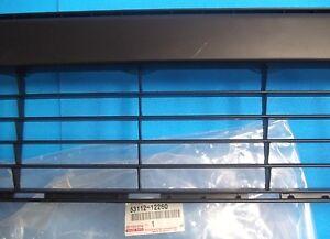 2011-2012 GENUINE SCION xB FRONT BUMPER LOWER GRILLE 53112-12260