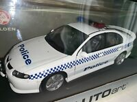 1/18 Autoart  72462 VX SS Commodore Vic Police with COA