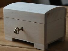 PLAIN  WOODEN JEWELLERY SMALL CHEST LOCKED WHIT THE KEY FOR  DECOUPAGE