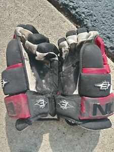 Easton Size 13.5 Hockey Glove