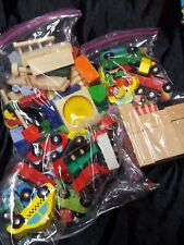 Melissa and Doug/Other Wooden/Vehicles/Race Car/Buildings/signs/playg round lot