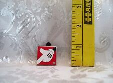 Walt Disney HIDDEN MICKEY MOUSE FINGER POINTING DOWN TRADING PIN