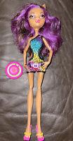 Monster High Doll - Clawdeen wolf - Gloom Beach- Mattel Figure